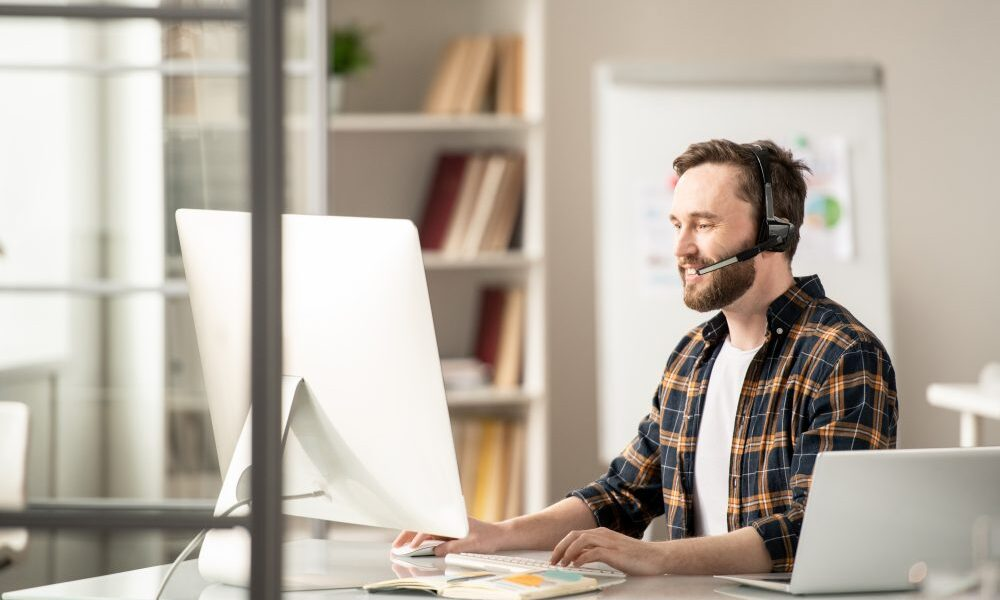importance of phone calls in your strategy for reaching out to customers during COVID